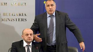 Пристигна критично писмо от Барозу, премиерът стяга редиците