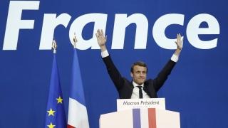 Макрон подкрепя френския език