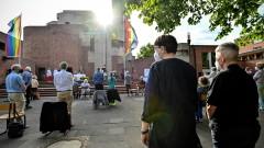 Църкви в Германия благославят еднополови двойки напук на Ватикана