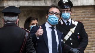 Правосъдният министър на Италия оцеля при вот на недоверие заради скандал с мафията