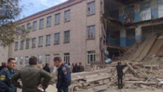 Самоуби се учителката на загиналите деца в руско училище