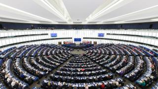 Само петима души изготвят евродокладите за България и за Румъния