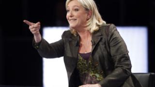 Меланшон се кандидатира в района на Льо Пен за парламентарния вот