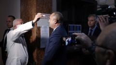 Румен Радев препоръча политиците да не се правят на лекари