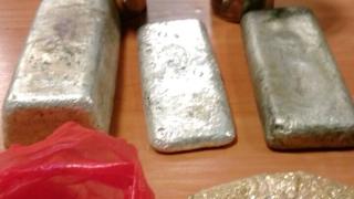 На Малко Търново пресякоха контрабанда на сребърни кюлчета и чаши