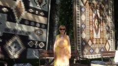 Тъкачките в Котел творят икони и картини в килимите си