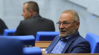 Още един червен депутат напусна Корнелия Нинова