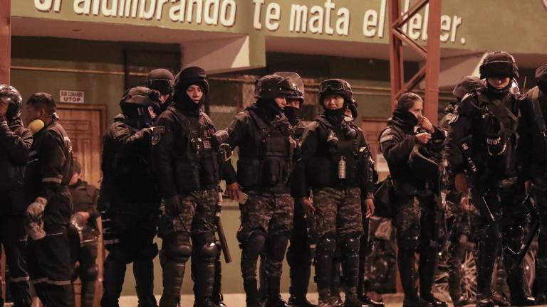 Полицията в три града в Боливия се присъедини към антиправителствените
