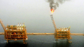 Пожар избухна на нефтена платформа в Мексиканския залив