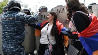 В Армения арестуваха лидера на протестите