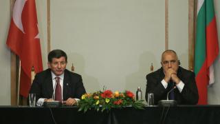 3 млрд. евро за Турция от ЕС са само началото, каза Давутоглу