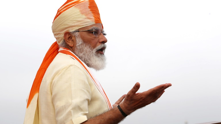 Въпреки че се очаква индийската икономика да отбележи по-нисък спад