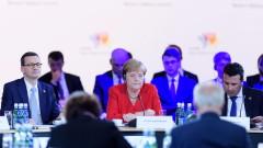 Реформирането на ЕС не трябва да блокира разширяването на Общността, убедена Меркел