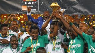 """Президентът на Нигерия поздрави """"суперорлите"""""""