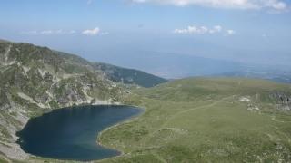 Въпреки забраната, джиповете отново тръгнаха към Седемте рилски езера