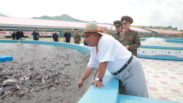 """Ким Чен-ун заклейми """"разбойническите санкции"""""""