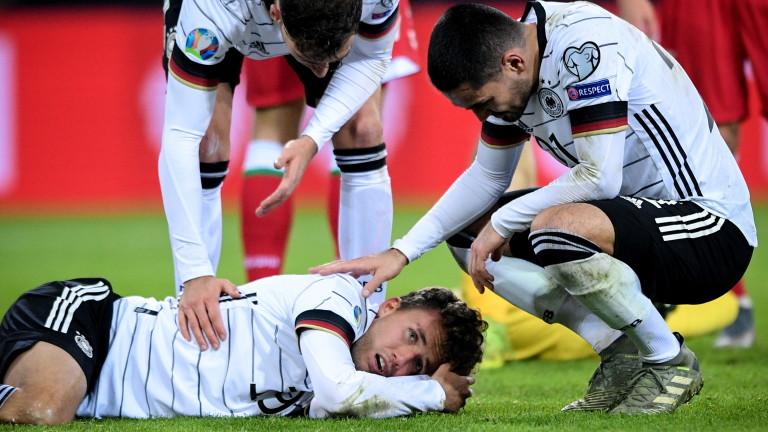 Германският футболен национал Джанлука Валдшмит ще пропусне срещите на клубния