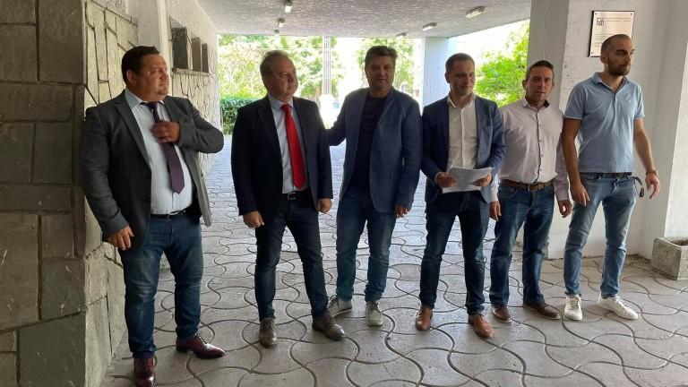 Александър Сиди води в Пловдив, Борис Ячев води листата на