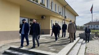 Задържаха двама за побой и грабеж на пенсионер в Пловдивско