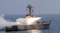 Иран се похвали с подводница и крилата ракета на военни учения до Ормузкия проток