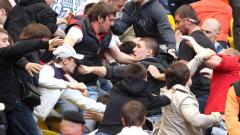 ВИДЕО: Феновете на Динамо Киев изядоха здрав бой в Харков