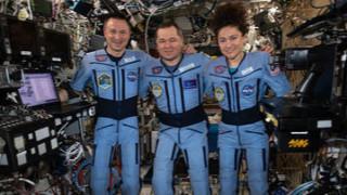 Теч в МКС евакуира екипажа