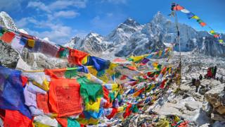 Между $35 000 и $135 000: Толкова би ви струвало изкачването на Еверест