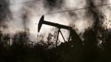 Цената на петрола отстъпва пред разрастващата се пандемия