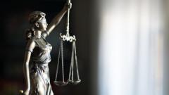 Пуснаха под домашен арест полицая от Варна, разследван за подкуп