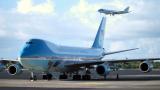 """Тръмп сключи сделка с """"Боинг"""" за два нови самолета Air Force One"""