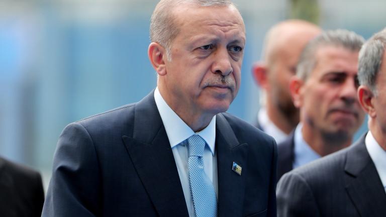 Продължава сривът на турската лира