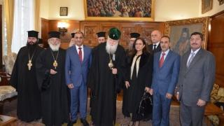 Неофит прие посланици от Близкия изток