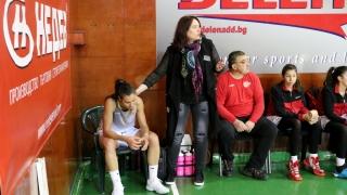Елена Станкова:  Хубаво е да се гледа играта на терена и на базата на нея да се дават оценките