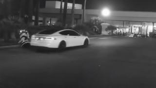 Сблъсък между роботи на улица в Лас Вегас