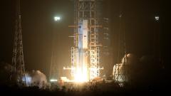 Китай изстреля първия си товарен космически кораб