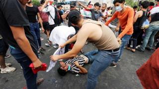 Осем убити протестиращи в Ирак, над 350 ранени