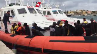 Около 40 имигранти са се удавили край бреговете на Италия