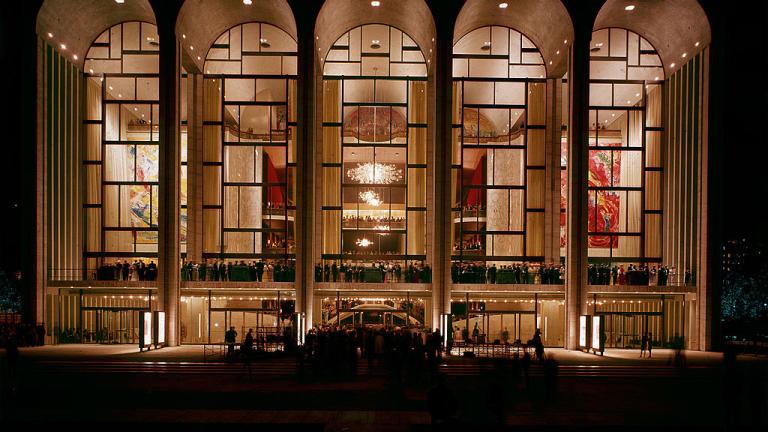 Евакуираха опера в Ню Йорк заради подозителен прах