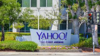 3 месеца по-късно: Купувач за Yahoo няма