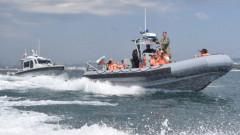 ВМС евакуира по спешност член от екипажа на търговски кораб до Варна