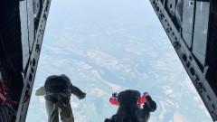 Над 180 парашутисти участваха в съвместни скокове, организирани от армията