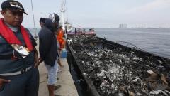 Арестуваха капитана на запалилия се ферибот в Индонезия