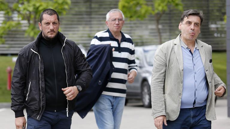 Две основни теми, касаещи бъдещето на ЦСКА, са обсъдили феновете с Ганчев и Инджов