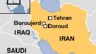Самолет се разби по време на военен парад край Техеран