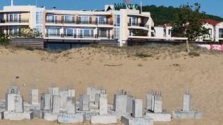 """Продължават строителните дейности на плаж """"Смокиня"""""""