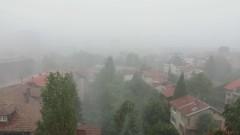 Силна буря порази София