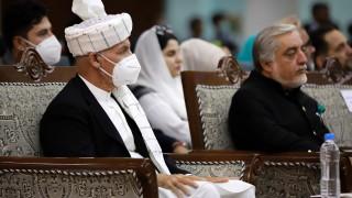 Афганистан пуска 400 затворници талибани