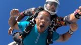 Уил Смит, Facebook Watch, плуването с акули и скачането с парашут над Дубай