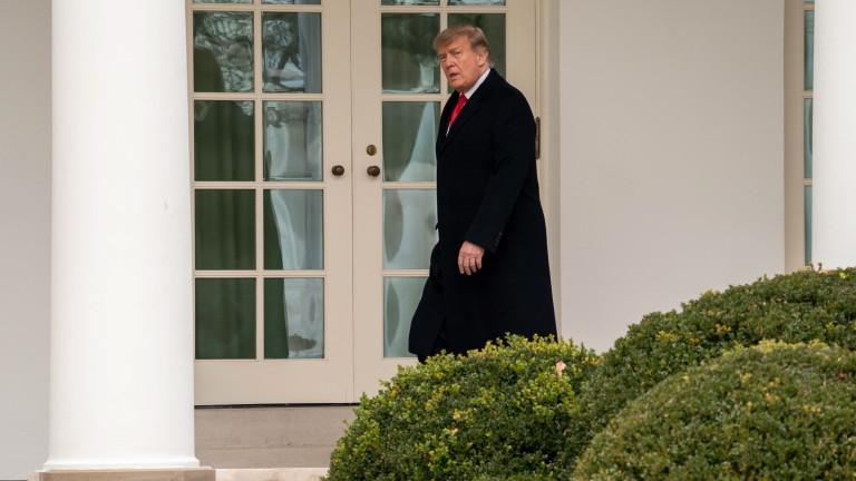 4 часа преди инагурацията Тръмп напуска Белия дом