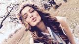 """Конкурентка на Поли Генова в """"Евровизия"""" трупа точки с разголени снимки (СНИМКА)"""
